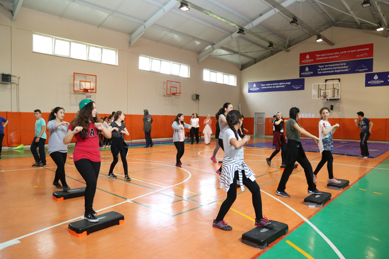 A Spor: Okul Spor Salonları