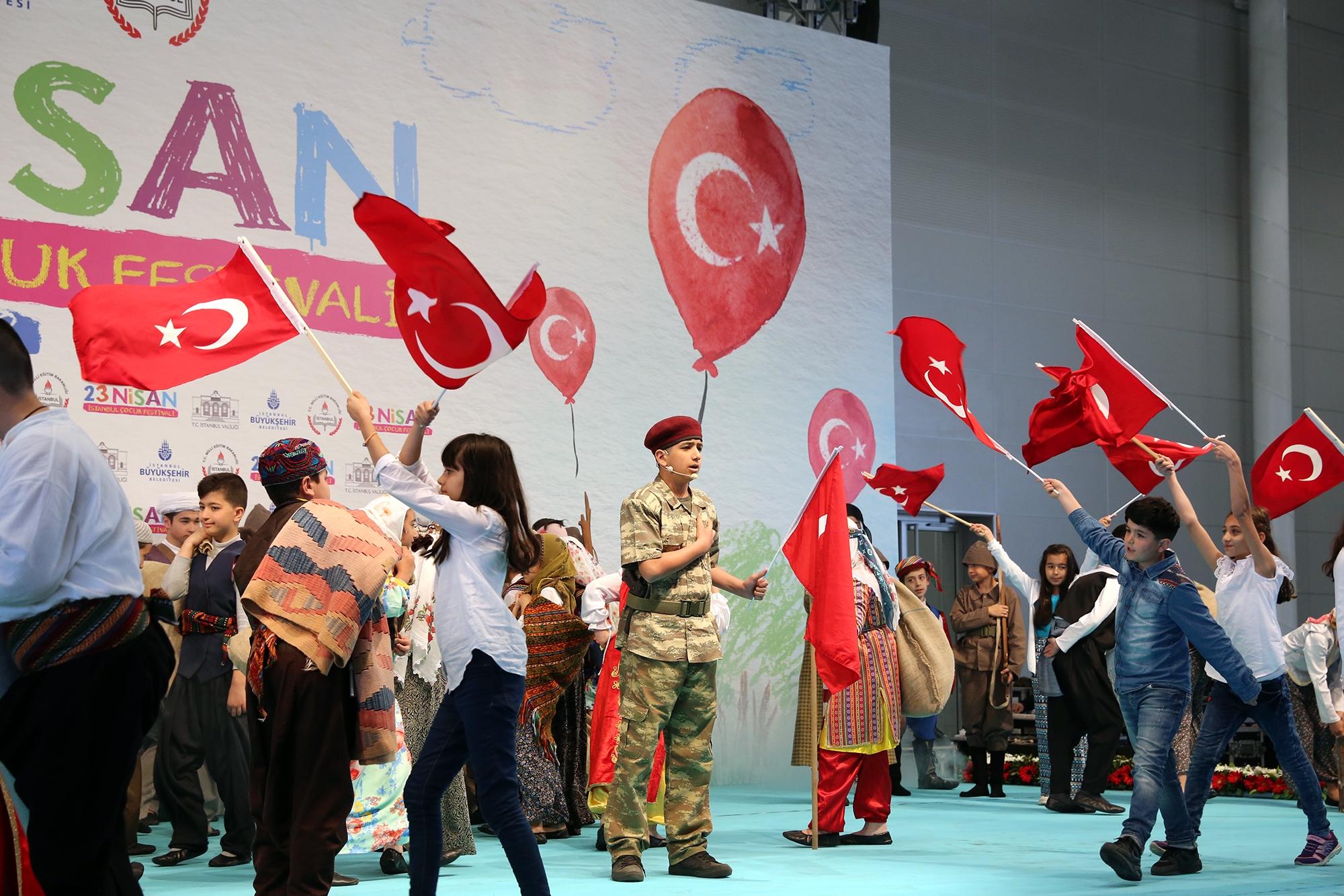 Konuşan Trafik Çocuk Oyunu Kadıköy Halk Eğitim Merkezi'nde 88