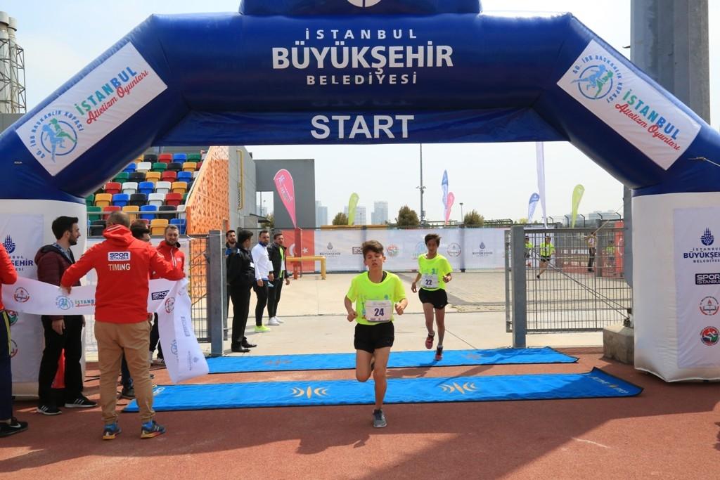 Ibb Baskanlik Kupasi Istanbul Atletizm Oyunlari Nda Bin Ogrenci